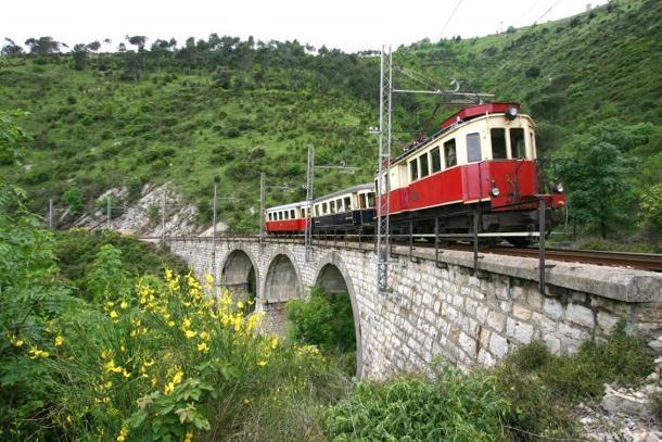 trenino-H141220194414