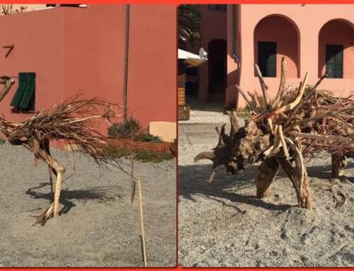 Le opere d'arte sulla spiaggia di Varigotti con i remasuggi della mareggiata! 😍