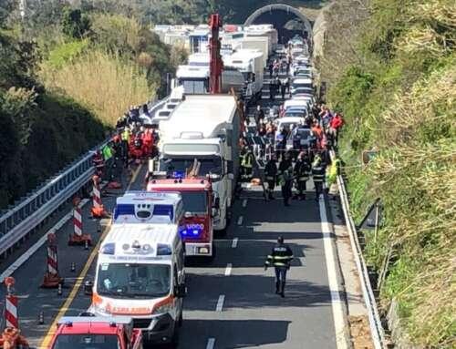 ⚠️ Altro incidente mortale! 😞 Autostrada chiusa in direz. Genova! ⚠️